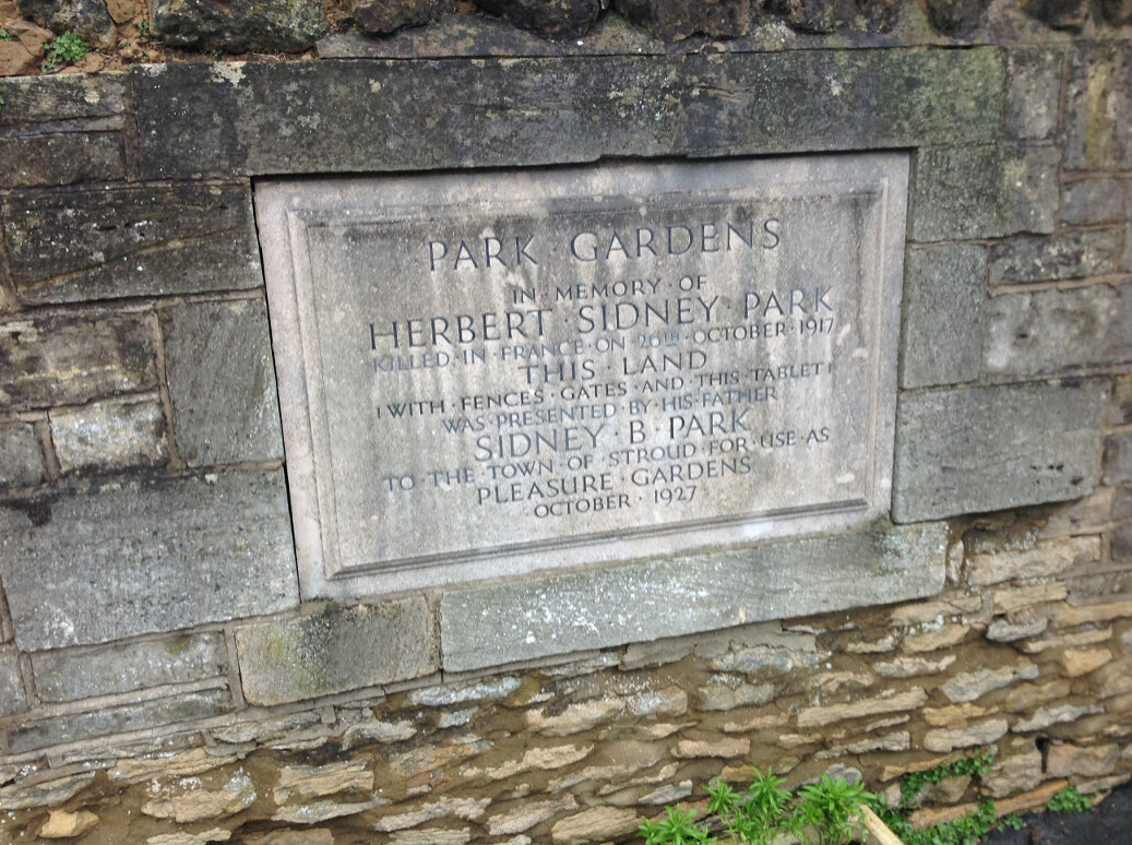 A Guide to the War Memorials of Stroud and the Five Valleys (1)