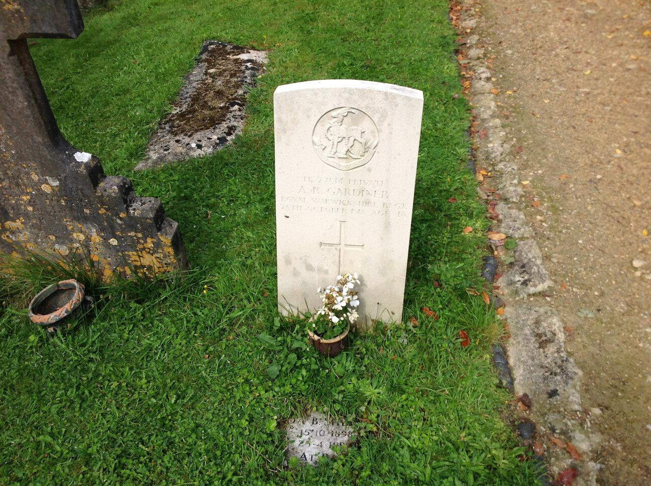 War Memorials of Chalford (7)