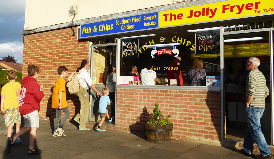 JollyFryer_ChipShopQueue_PhotoDeborahRobert_P1430453_LowRes
